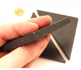 Triangle rectangle isocèle noir 96 x 66 x 6 mm en bois