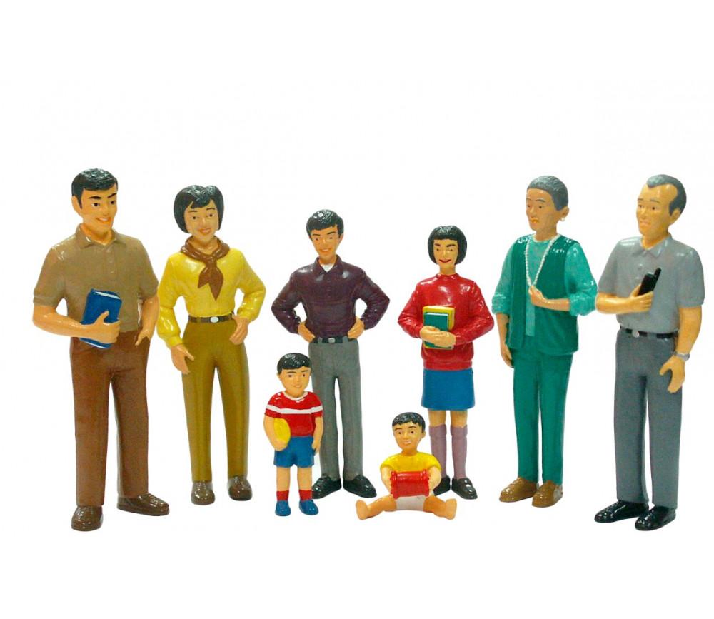 Famille asiatique : 8 personnages de jeu très réalistes grand modèle 14 cm