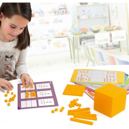 Kit activités Base 10 - boite 121 pièces + 24 cartes activités + 15 fiches jeux