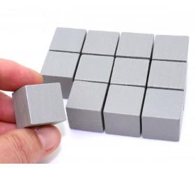 Cubes en bois gris de 2 cm. Jouets, jeux, construction