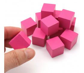 12 Cubes en bois roses de 2 cm. Dimensions 20 x 20 x 20 mm pour jeux