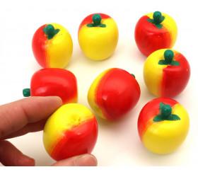 Petite Pomme en bois rouge et jaune. jouet fruit