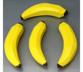 Banane en bois jaune. Jouet fruit