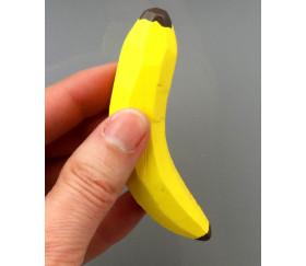 Banane en bois jaune. Jouet vente par pièce.