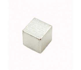Cube métal argent 8 mm. 8 x 8 x 8 mm à l'unité