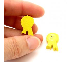 Pion médaille en bois jaune 20 x 15 X 5 mm