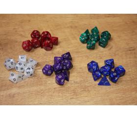 Lot de 7 dés perlés multi-faces colorés