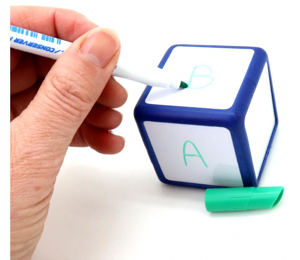 Dé 5 cm avec faces effaçables et magnétiques neutre avec crayon
