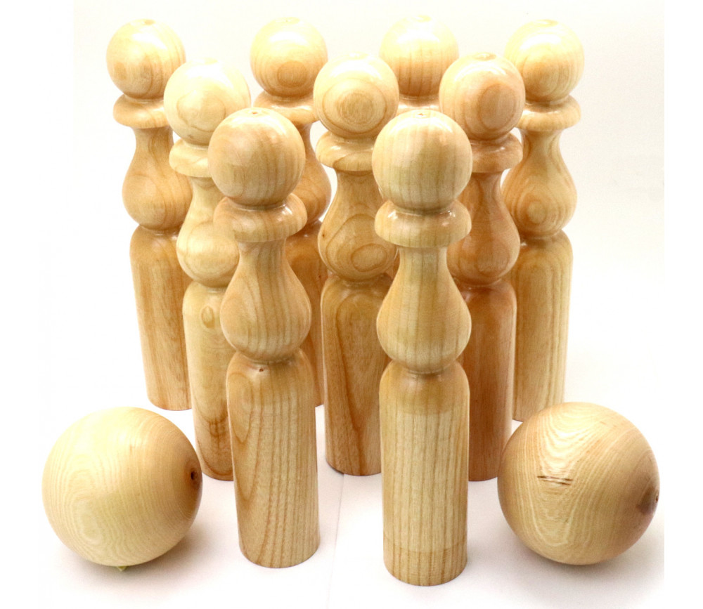 Quilles en bois verni de 24 cm + 2 boules en bois