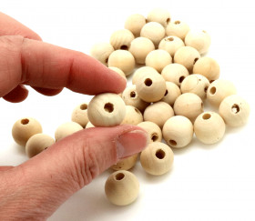 40 perles 1.5 cm trouée en bois 15 mm - trou de  mm
