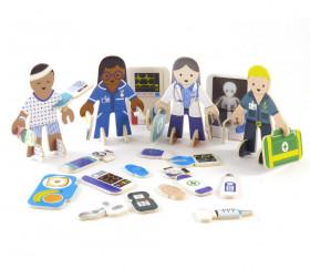 4 personnages en bois : docteurs et infirmiers. Thème médical à construire.