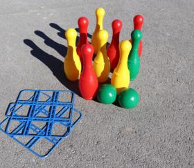9 quilles 27 cm et 2 boules plastique bowling enfant