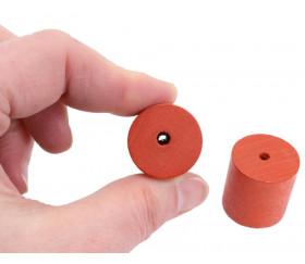 Cylindre troué diam 2.3 cm haut 2.4 cm en bois rouge