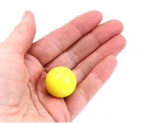 Boule 25 mm jaune bois hêtre