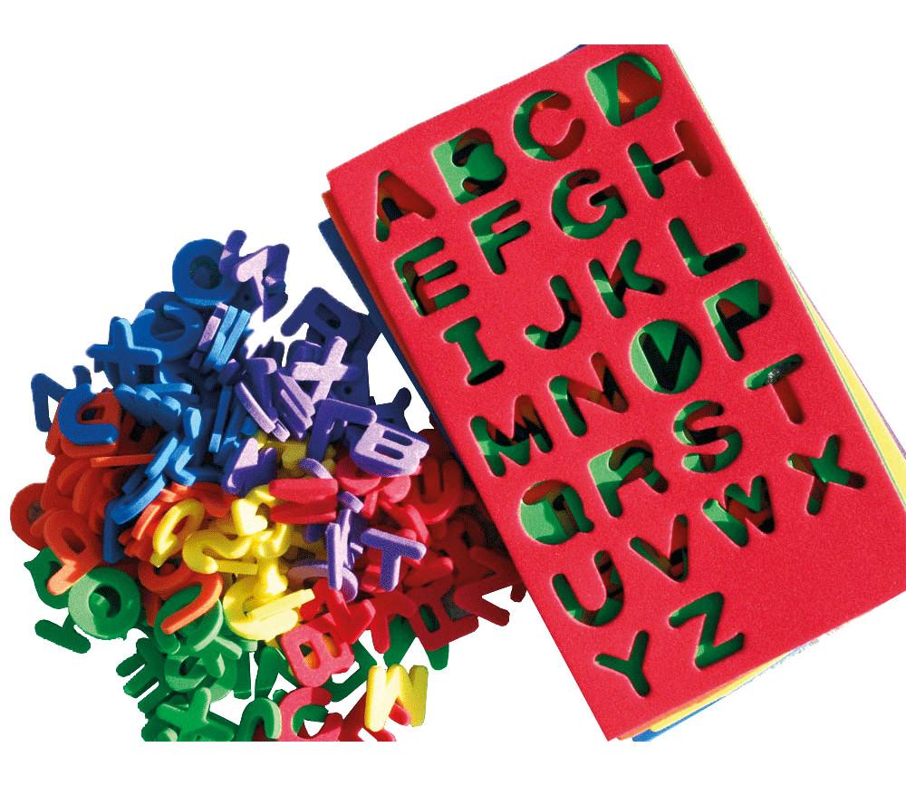 130 mini lettres en mousse fine de 1.5 cm de hauteur