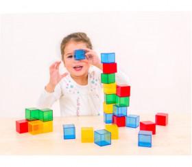 36 cubes 4 cm en plastique translucide. Jeu construction coloré