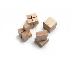Cubes en bois repérage dans l'espace pour Montessori