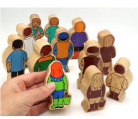 Fermière en bois coloré 100 x 47 x 25 mm personnage jeu