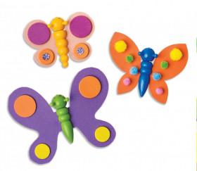 Chenilles en plastique décorées ici en papillons avec de la feutrine (vendue séparément)