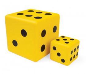 2 dés géants jaunes en mousse 7.5 cm et 15 cm