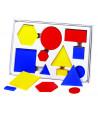 Boite 60 formes géométriques à plat épaisseur, taille et couleur.